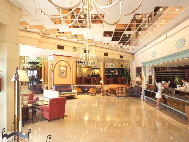 Las Piramides Hotel - Fuengirola, - read customer reviews and book the Las Piramides hotel.