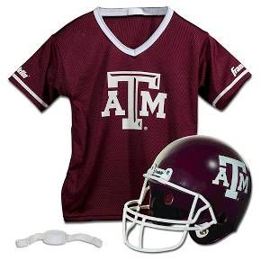 Pee-wee players can look like their college football heroes wearing this athletic apparel set from Franklin Sports. Set includes official home team, short-sleeve jersey (Texas A&M) and team helmet with authentic logo and team colors. Jersey made of 100% Polyester. Kids' sizes 4-16.