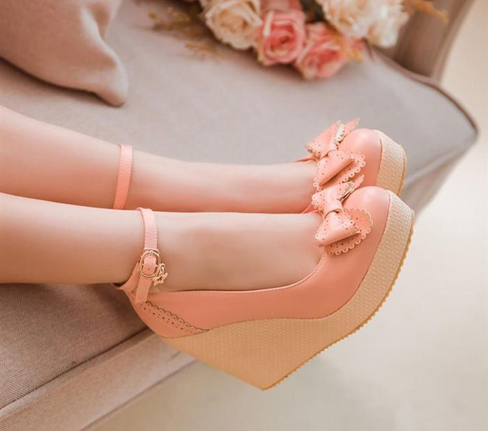 Elegant Women's Wedge Shoes With Bow and Carving Design (PINK,37) | Sammydress.com