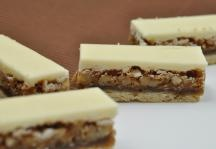 Butterfinger Bars - If you love Butterfinger candy bars, you'll love this dessert recipe. #ImperialSugar