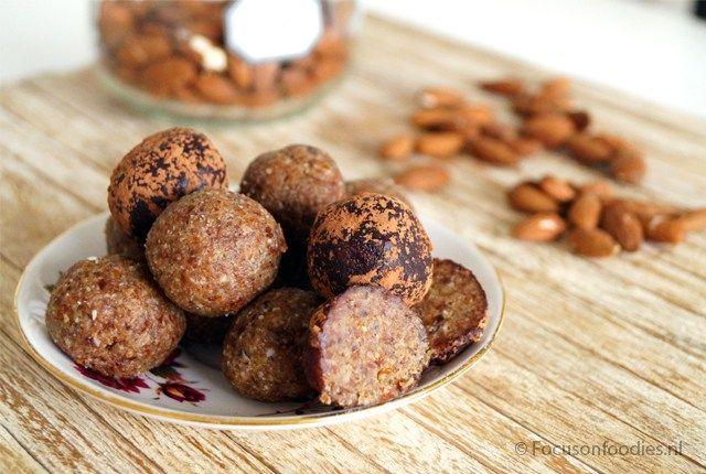 Suikervrije marsepein (Dadels & kokosbloemsuiker)