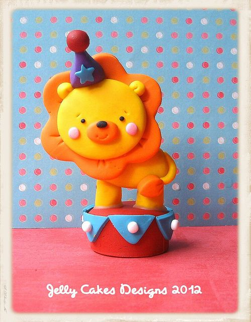 lion cake topper by jelly beads, via Flickr