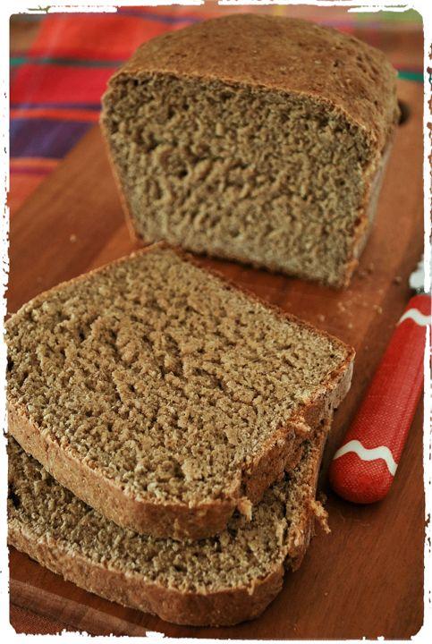 Receita de pão integral sem sova (e com sementes) para quem quer fazer seu próprio pão em casa, mas não tem muito tempo disponível.