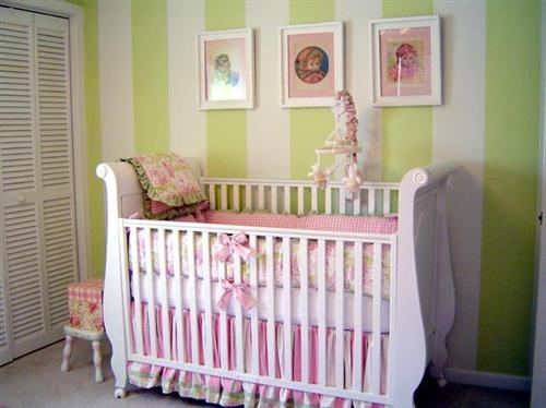 Cute!Nurseries Room, Stripes Wall, Kids Room, Baby Girls Room, Baby Style, Baby Room, Bedrooms Decor Ideas, Baby Nurseries, Accent Wall