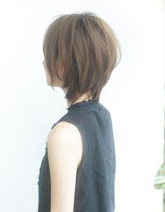 ひし形ボリュームショートヘア(YR-285)   ヘアカタログ・髪型・ヘアスタイル AFLOAT(アフロート)表参道・銀座・名古屋の美容室・美容院