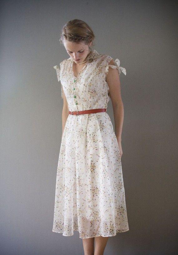 Five 40s Dresses That Capture The Era: 92 Best Images About 1930s On Pinterest