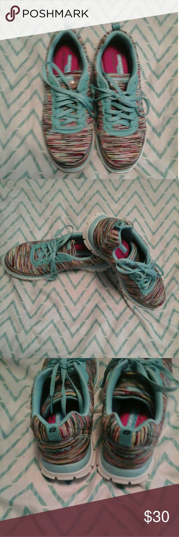 🌷Skechers Flex Sole 👟Show off some multi colors an sporty comfort in these Skechers Flex Sole Sneakers.Size 7,blue shoe laces ,memory foam footbed.Excellent condition,no holes,shoes looks new still,  smoke free an pet free home. Skechers Shoes Sneakers