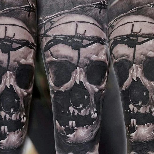 #killersilverink in #action by @tonykreutz #essen #germany #EUcertified #SAFE #tattoo #ink from #newyorkcity #nyc #NY #USA backed up by #worldrenowned #tattooartists #killersilver is available from #killersilverGmbH #bielefeld #www.killersilver.de #stygianblack #killerXmixer #skull #barbedwire #graywashtattoo #tattooink #best #graywash on #market