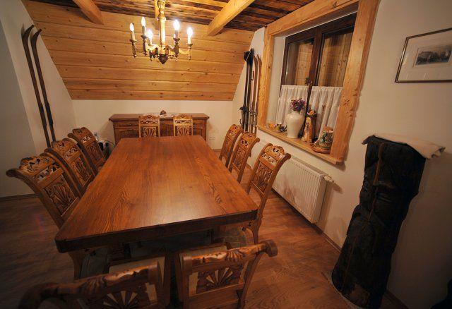 Meble z góralskom dusom - Janusz Stopka-Karolów - Galeria - wzory Krzesla do kuchni plus nowoczesny stol  Albo odwrotnie Moze troche mniej rzezbione