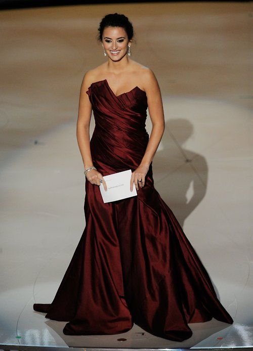 Penelope Cruz at the 2010 Oscars
