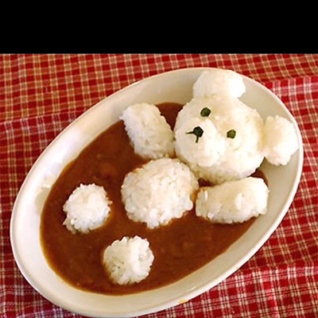 白いくまが、田んぼのこえだめに…げふんごふん    rice teddy bear in curry!  鬼太郎のオヤジのカレー版