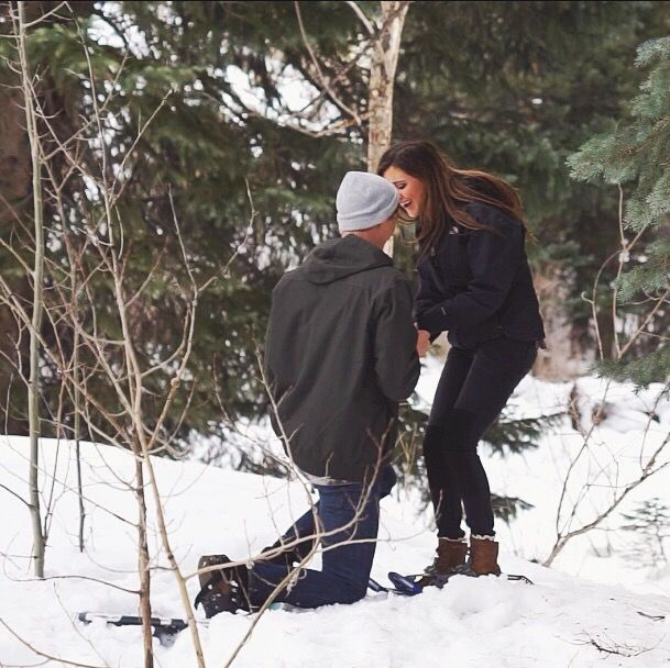 Marriage Proposal Ideas from HowHeAsked Winter Proposal in Vail