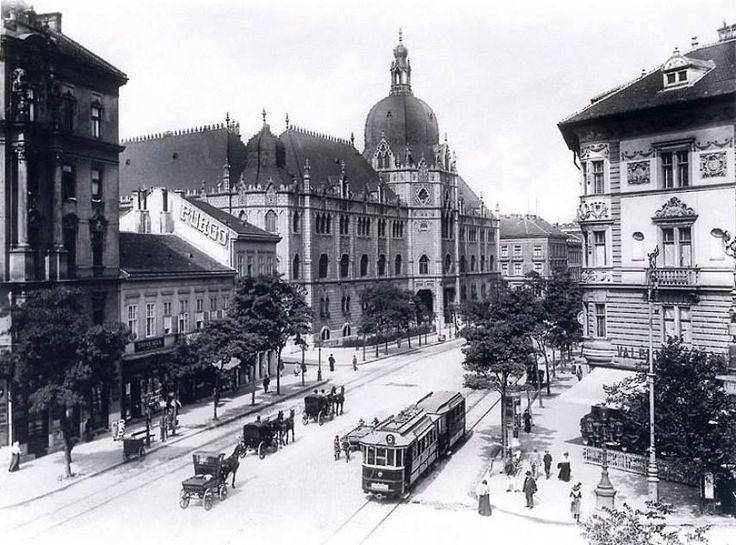 1910. VIII. ker. Üllői út - József krt. kereszteződés, jobbra a Valéria kávéház (1892), balra az Iparművészeti Múzeum (1896) látható