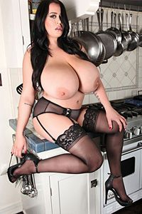Leanne Crow - Stovetop Babe - Set 2