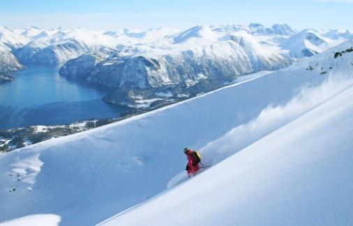 Kathrine @ Stranda, Norway Photo: Simen Berg - Bergphoto.net