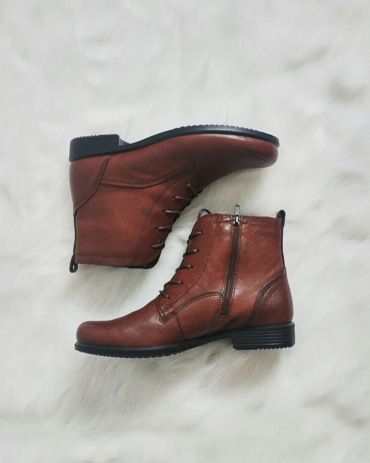 ECCO Touch 25 Lace Boot in Mohogany $195
