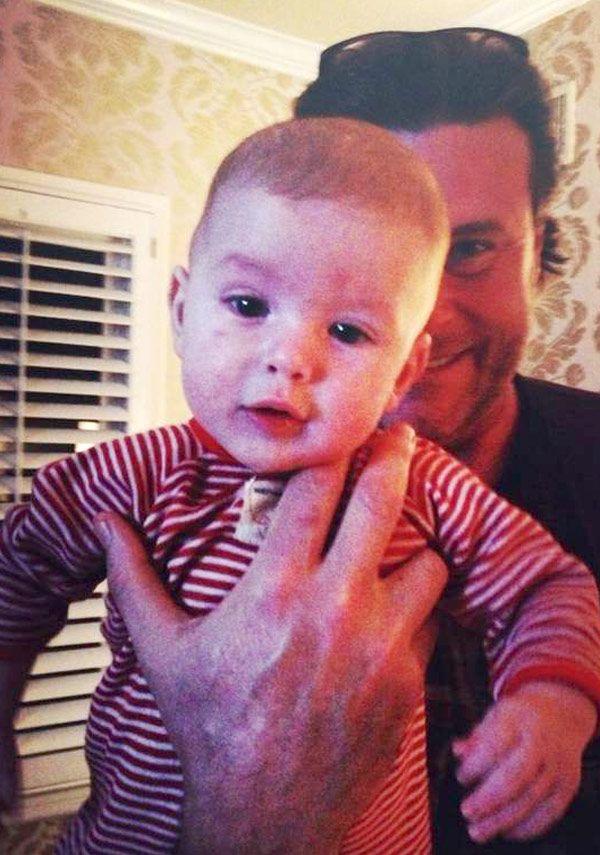 Tori Spelling & Dean McDermott's son Finn Davey looks JUST like mom! Beautiful.