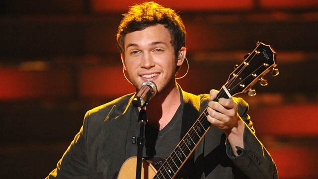 Phillip Phillips Undergoes Kidney Surgery — The most recent American Idol winner went under the knife Wednesday to fix kidney problems that have plagued him all season.