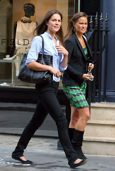 Duchess Catherine in black jeans, black flats, and light blue shirt doing some shopping in central London, September 2009