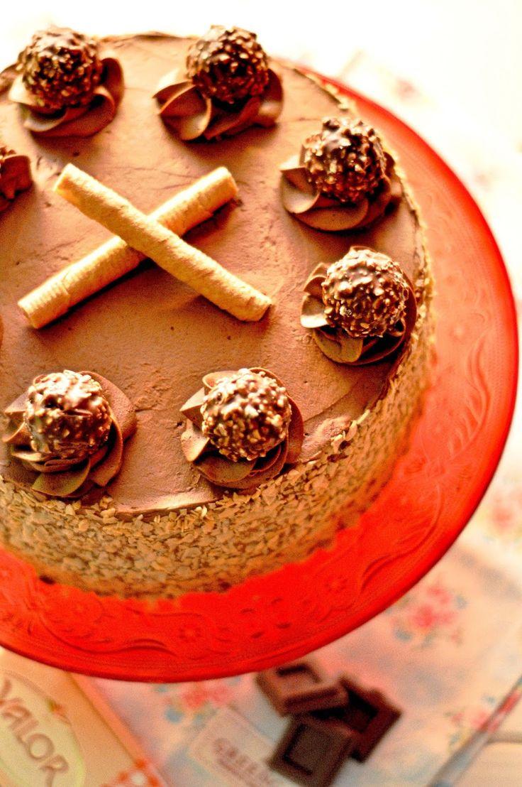 OBSESIÓN CUPCAKE: Tarta de Chocolate, Barquillos y Ferrero Rocher