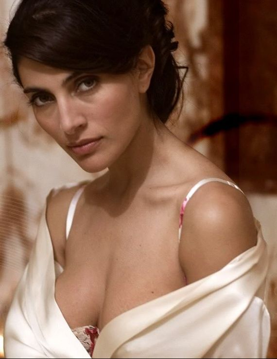 67 best caterina murino images on Pinterest | Bond girls, Actresses and James bond
