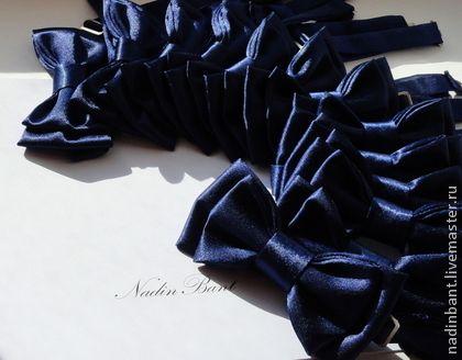 Галстуки, бабочки ручной работы. Ярмарка Мастеров - ручная работа Галстук бабочка Темно-синие Атласные ноты. Handmade.