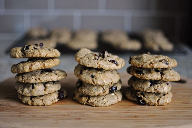Vegan Oatmeal Cranberry Cookies | {Cookies} for the Monster | Pintere ...