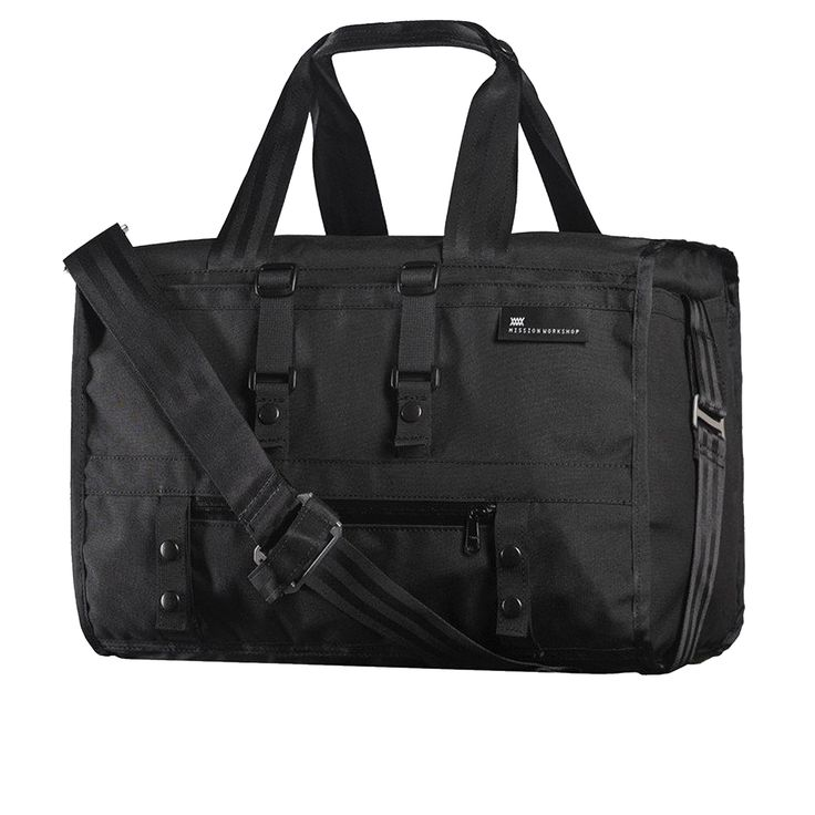 The Transit weatherproof duffle bag is appropriate for any occasion and ready for all conditions, the 31L weekender duffle is perfect for quick getaways and easily stows in the overhead bin. We've added four cargo pockets to the outside of the bag to grab and stash gear when quick access is key. Inside the bag there are four additional cargo pockets and a separate zippered padded laptop sleeve.