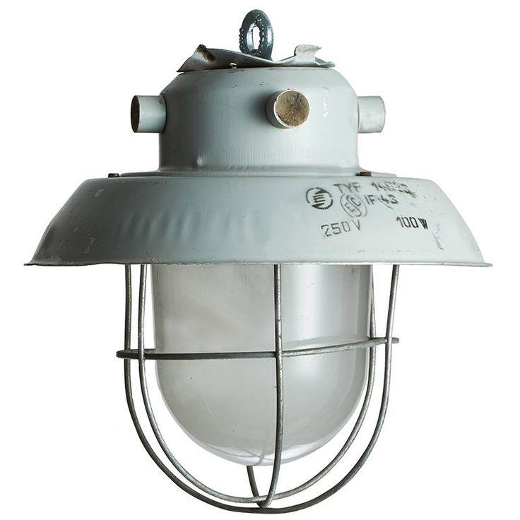Factory 4 - Prachtige industriele hanglamp met glas en korf. DeJaren30Fabriek.nl uw specialist klassieke buitenverlichting,, Bakeliet schakelmateriaal, Oude fabriekslampen, Industriéle hanglampen.