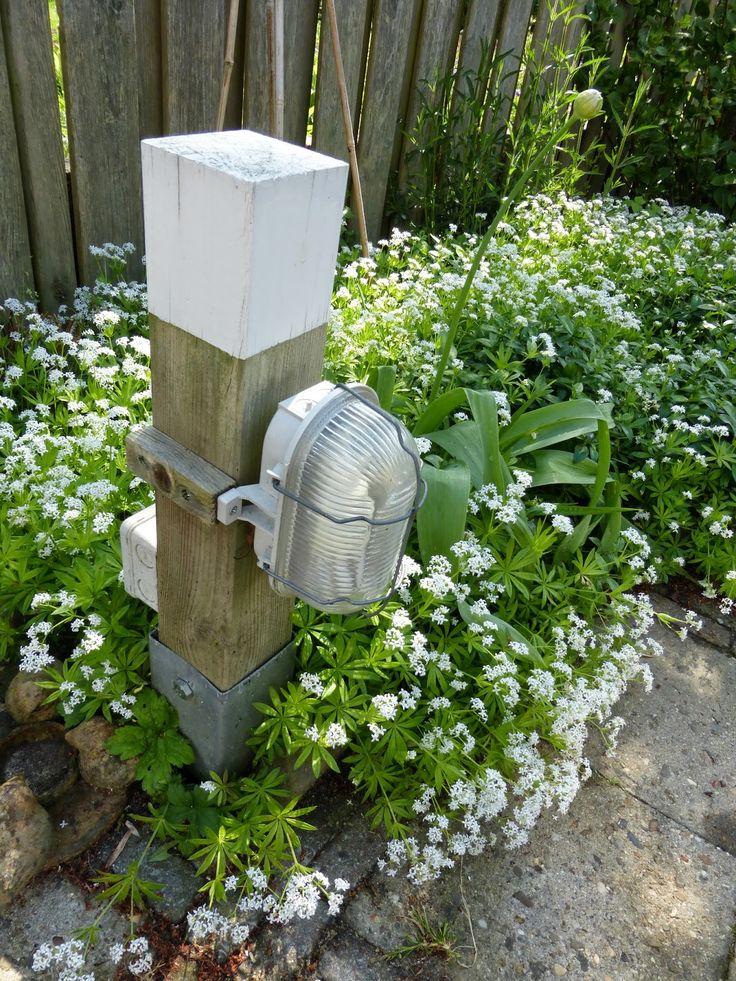 25 beste idee n over tuin palen op pinterest solar tuinverlichting moestuin markeringen en - Scheiding houten ...