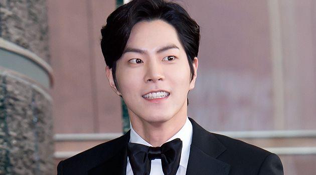 Hong Jong Hyun Beberkan Alasan Pakai Anting Gede di 'Scarlet Heart' | Kabar, Berita, Artikel & Hot Gossip - WowKeren.com