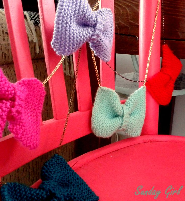 fresh Handmade knitted bow necklace