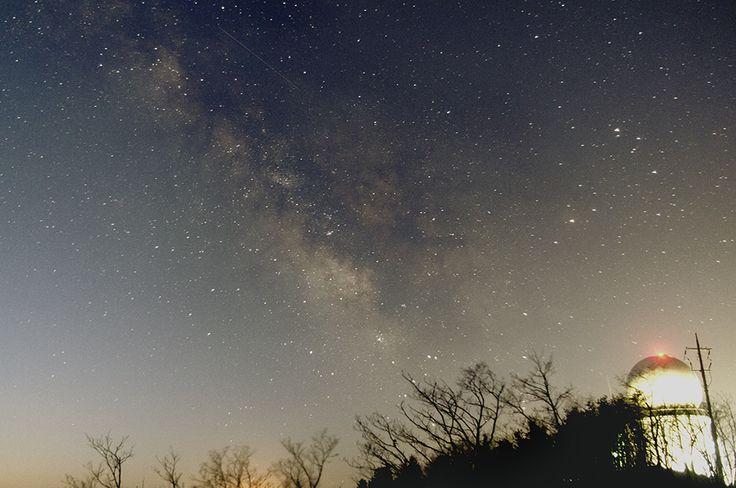 2015년 첫 은하수 사진은 광덕산 조경철 천문대에서 촬영했다. 평소에 다니던 강서중학교보다 훨씬 좋은 하늘인데다, 해발고도가 높아 하늘도 깨끗하고.. 다만 산 아래의 광해가 심하다는 것이.. 아쉬운 부분..
