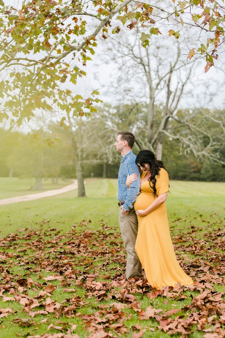 Maternity Photos Third Trimester 34 Weeks pregnant Fall Maternity Pictures