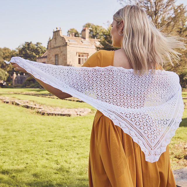 Ravelry: Beautiful Bride Shawl pattern by Zsuzsa Kiss - Estonian lace shawl knitting pattern