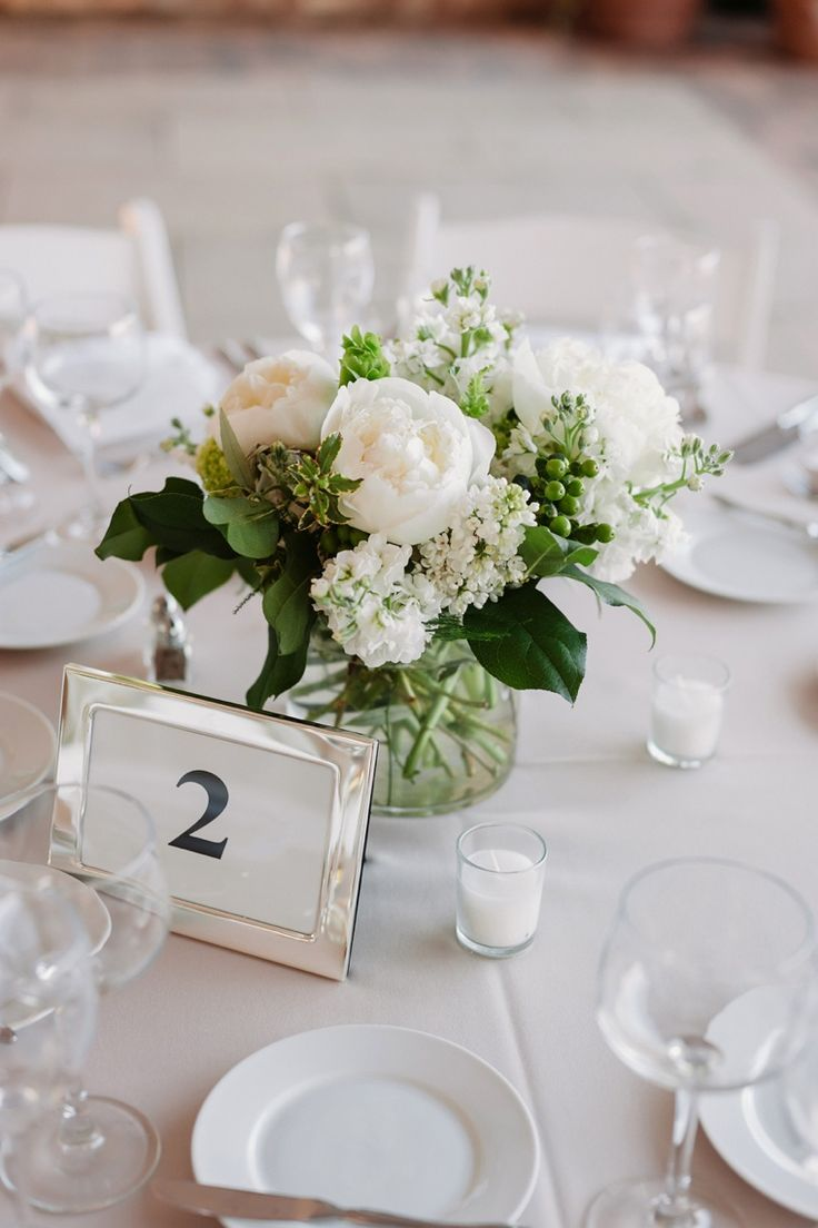 25 best wedding table flowers ideas on pinterest for Small flower decorations for tables