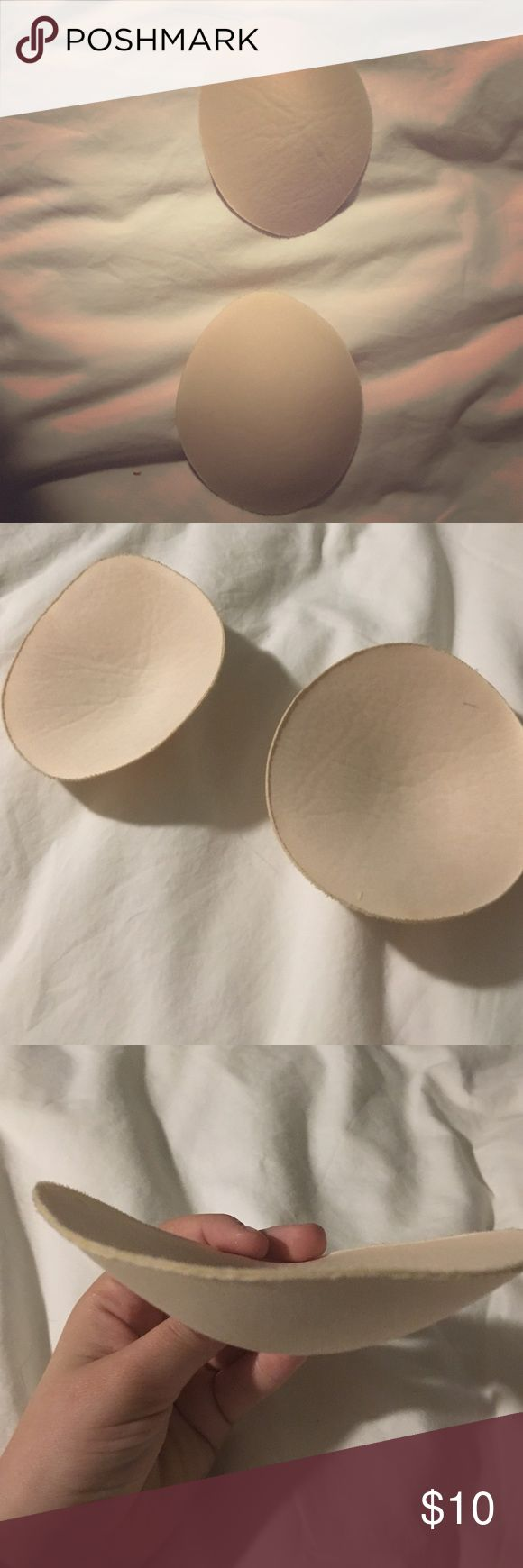 Cream colored removable bra padding This is removable bra padding! Great for swimsuits, or wearing under sports bras for a little extra padding! Haven't worn them :) Intimates & Sleepwear Bras