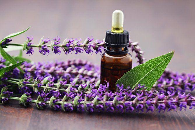 Orice femeie trecută de 40 trebuie să folosească zilnic acest ulei esențial! - Perfect Ask