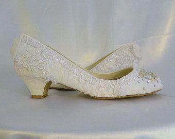 Zapatos de Novia de tacón bajo... Zapatos por everlastinglifashion