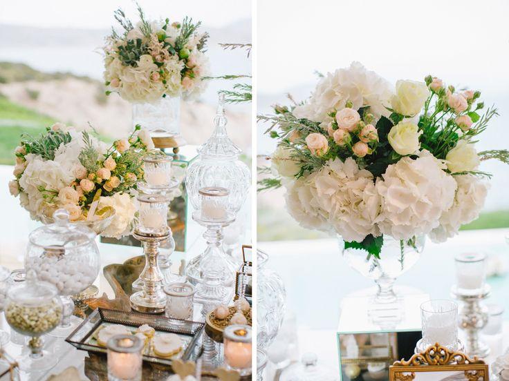 Luxury elegant gold wedding dessert table of Marina Luczenko and Wojciech Szczesny at Athens Greece planned by DePlanV