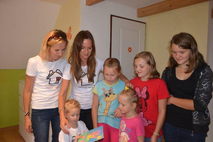Hurrra ! My też dostaliśmy prezent ! Dziewczynki zrobiły śliczny obrazek z dedykacją.