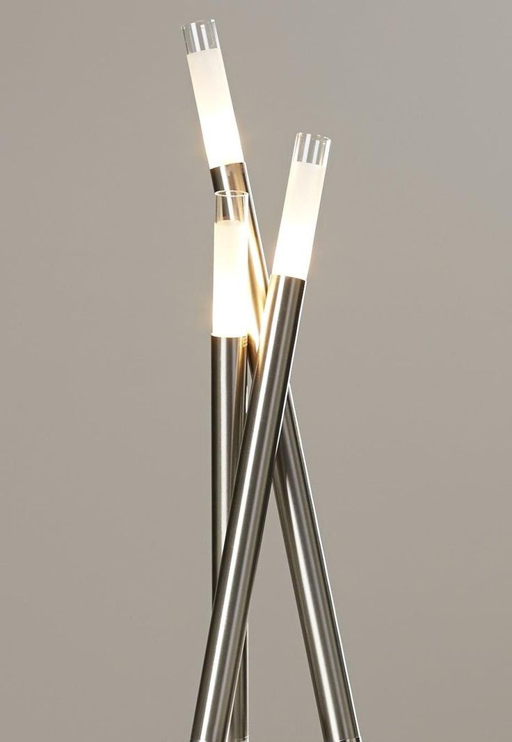 Icicle table lamp by lumisource