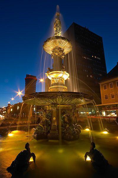 Picture of the great fountain in La Chaux-de-Fonds, canton of Neuchâtel