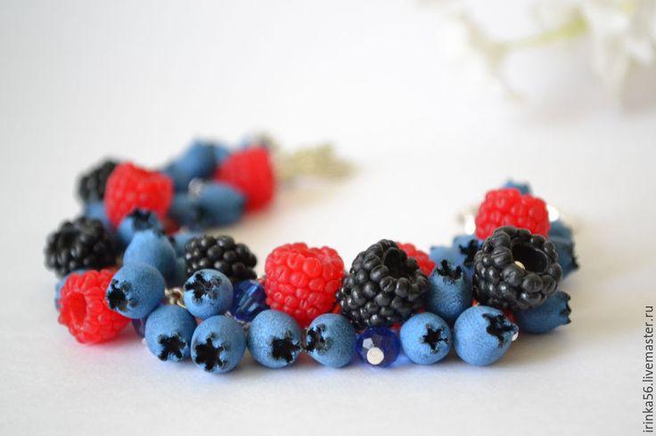 """Купить Браслет """"Витамин"""" - голубой, ежевика, малина, черника, ягоды, ягды из полимерной глины"""
