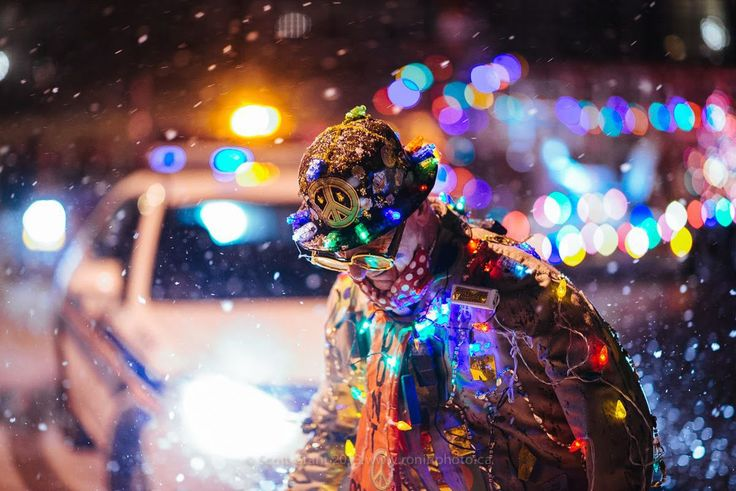 check this link http://earth66.com/human/85-year-old-clown-christmas-parade/