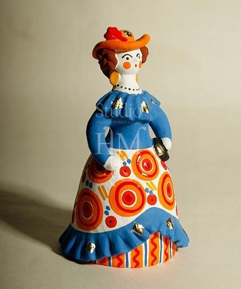 Барыня дымковская игрушка в синем платье с сумочкой