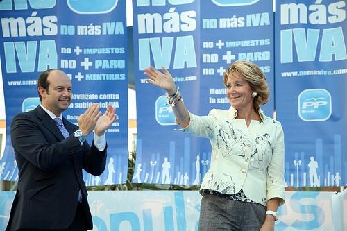 Pues ya dirá Vd., Sra. Esperanza Aguirre, cuántos españoles se irán ahora al paro... Twitter / EsperanzAguirre: La última vez q se subió el IVA,del 12% al 15%, en el 93 con el anterior gobierno socialista, medio millón de españoles se fue al paro: https://twitter.com/EsperanzAguirre/status/12393485702?uid=453557650=bf87460f-b553-48f4-ae45-3d740fdd084d=12+137+20120711