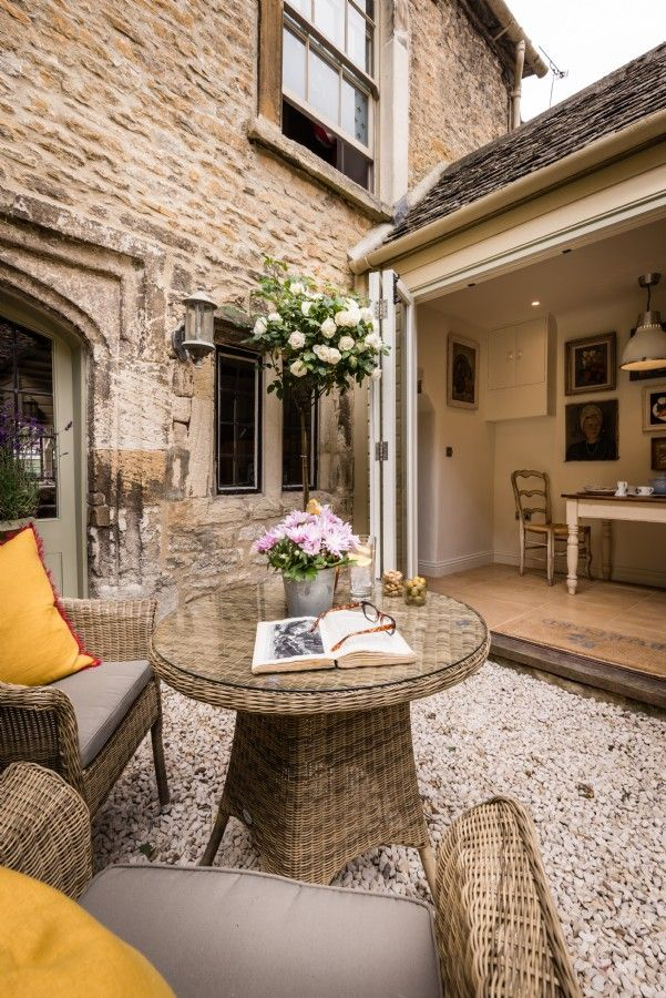 Luxury self-catering cottage in Burford, Luxury Cotswolds Cottage