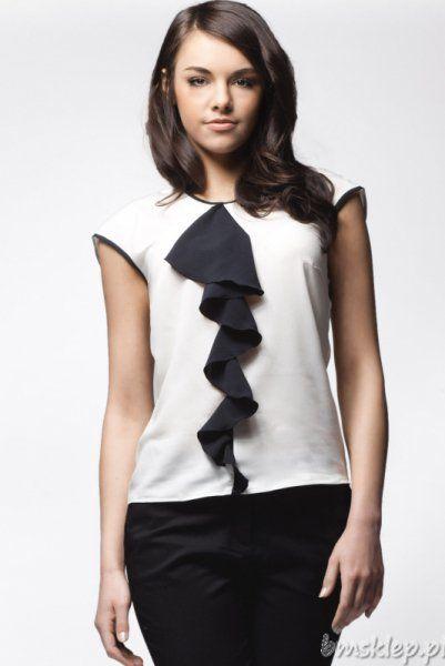 Bluzka Damska A25, bez rekawów, z falbankąSkład surowcowy: 98% #poliester, 2% lycraPrezentowany rozmiar to 36/38, wzrost modelki: 172Delikatna bluzka z opadającym ramieniem. Przód bluzki zdobi delikatna ##falbanka w kontrastowym kolorze.... #Bluzki - http://bmsklep.pl/bluzki
