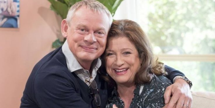 2015 Sept 29 MC and Caroline Quentin on This Morning show